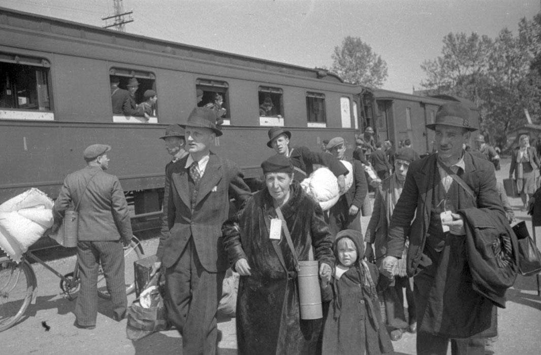 Эвакуация 1940 неиз.jpg