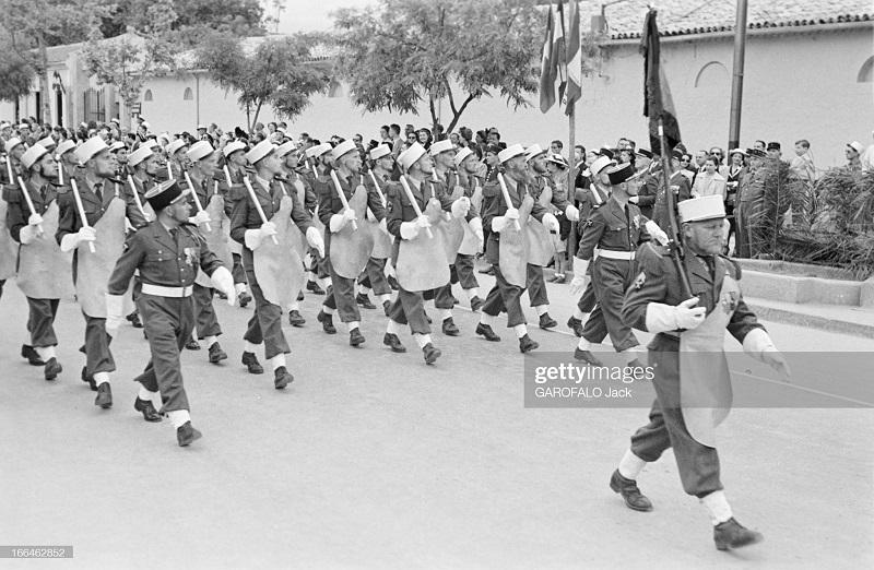 Парад 9 июля скорее 14 1955 Дж Гарафало.jpg