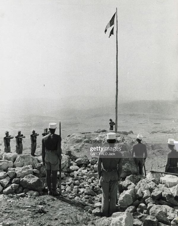 торж построение 9 июля 1955 дж гарафало.jpg