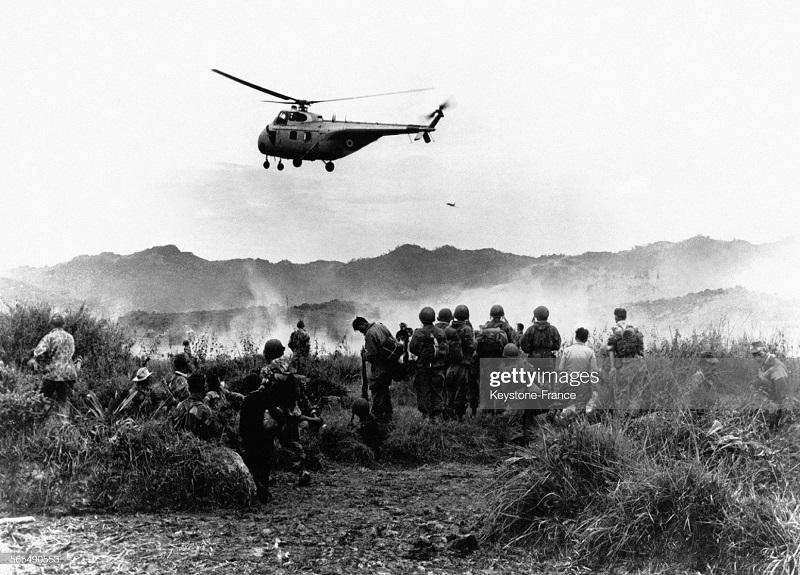 ДБФ Вертолет во время оп Кастор 30 нряб 1953.jpg