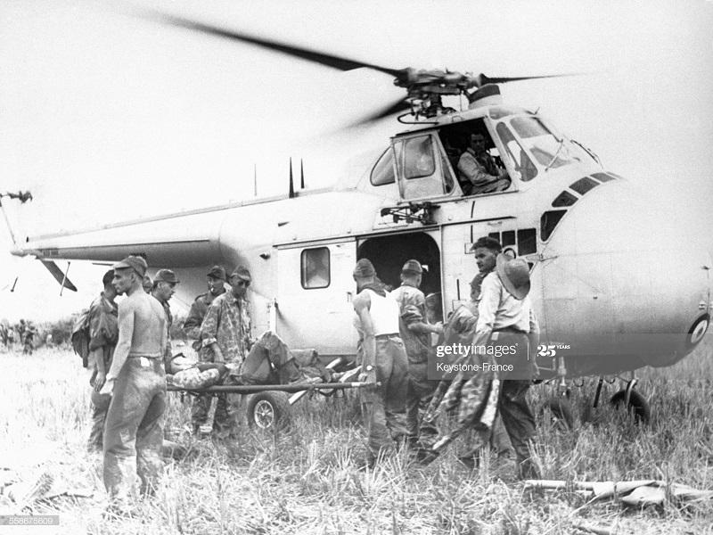 ДБФ эвакуация раненых на вертолете 1954.jpg