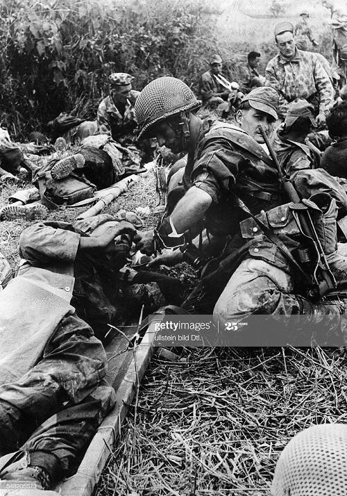 ДБФ перевязка раненого 1954.jpg
