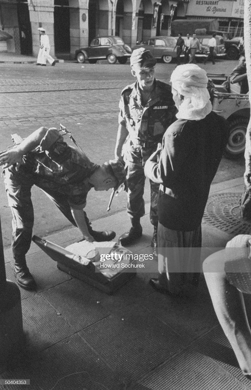 осмотр багажа сент 1957 г сохурек.jpg