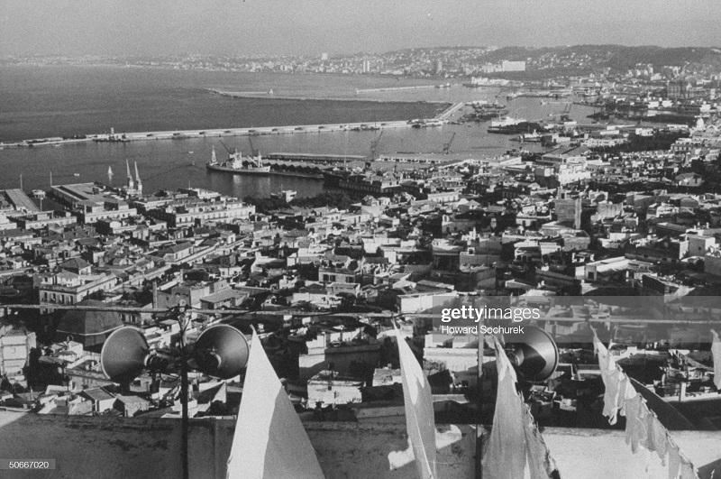 Порт города Алжир 1957 Сохурек.jpg