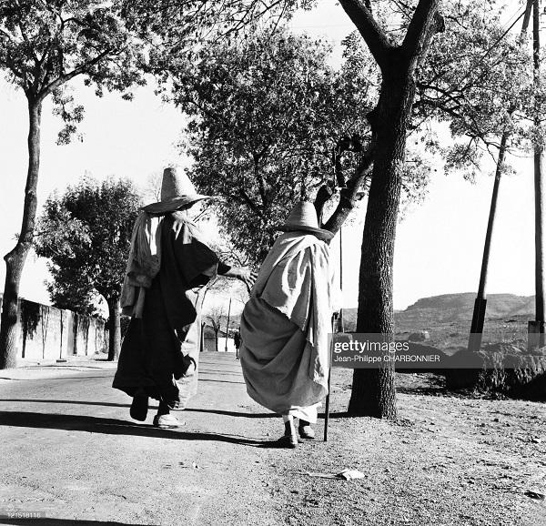 кабилия в деревне 1957 шарбонье.jpg