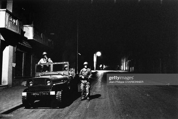 Кабилия патруль в тизи узу 1957 Шарбонье.jpg