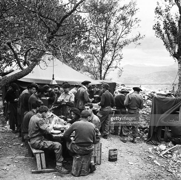 кабилия альп стрелки ланч 1957 шарбонье.jpg
