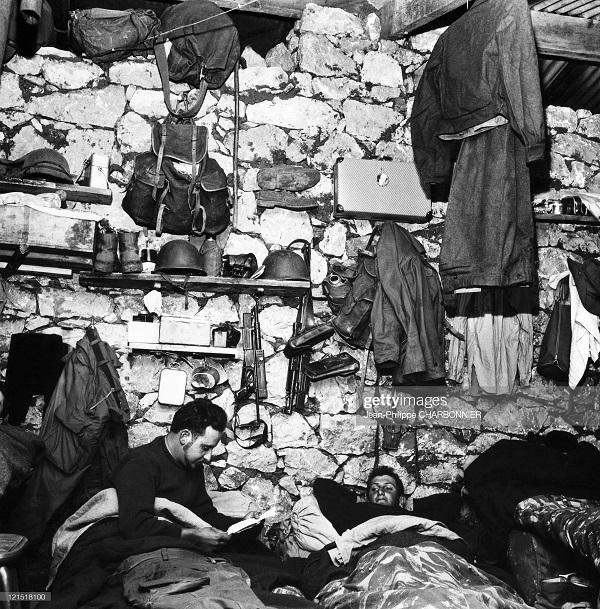 Кабилия в казарМе 1957 шарбонье.jpg