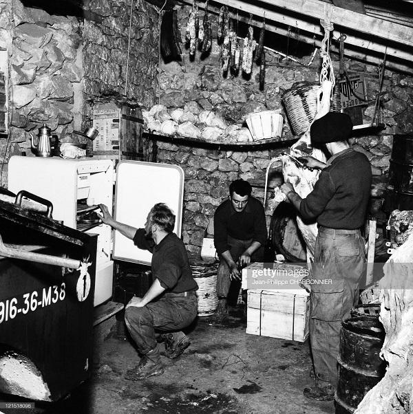 Кабилия кухня 1957 Шарбонье.jpg