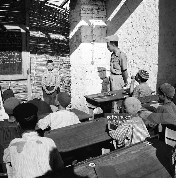 Кабилия в школе 1957 Шарбонье2.jpg