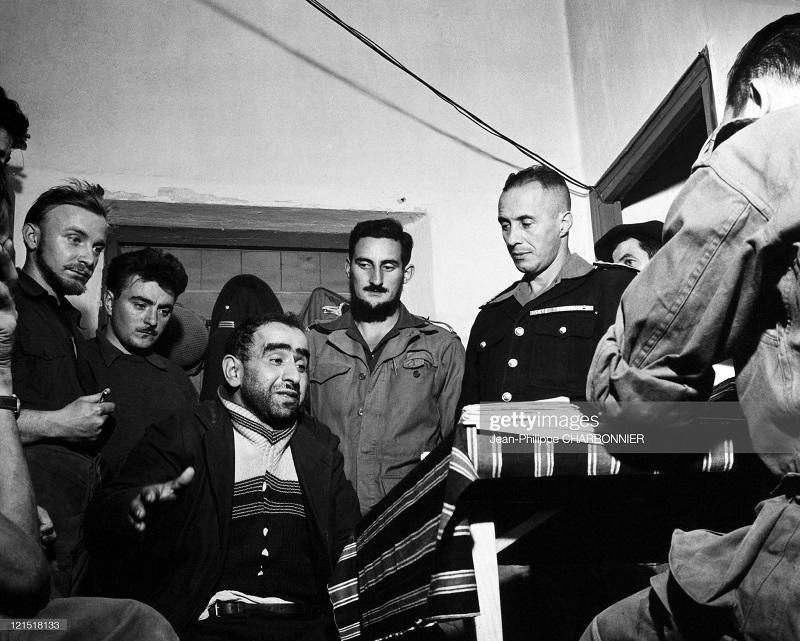 Кабилия допрос пленного 1957 Шарбонье.jpg