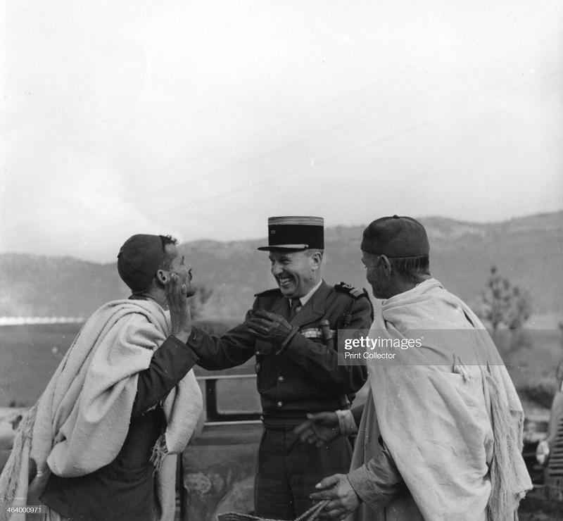 В алжире 1957 2.jpg