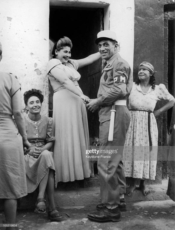 легионер и проститутки в сиди бель абессе 1957.jpg
