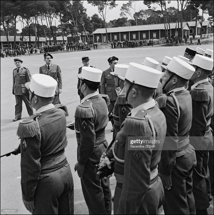 смотр парашютистам июнь 1957н зебар.jpg