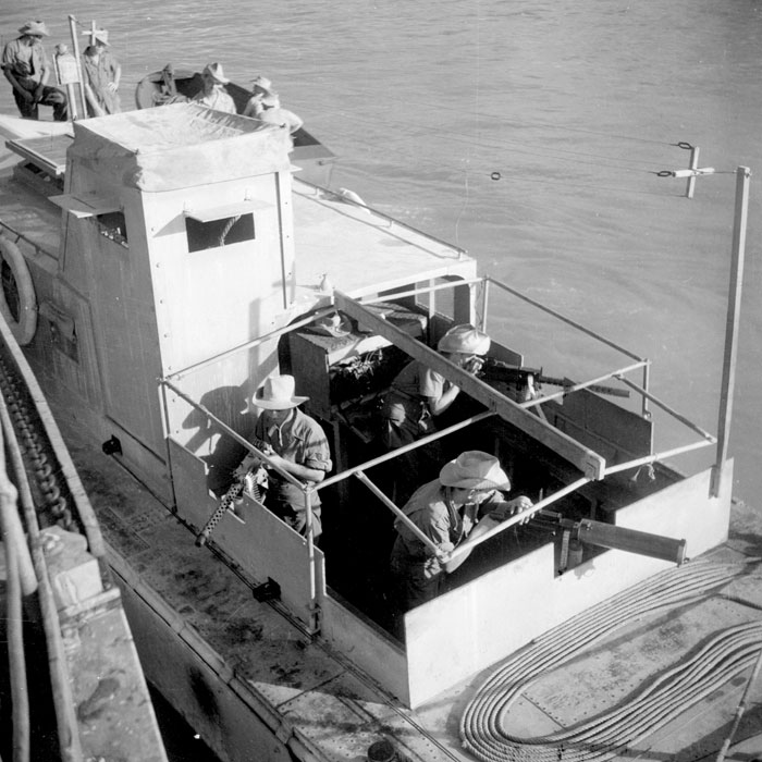 Бронир корабль дек 1947 Верне.jpg