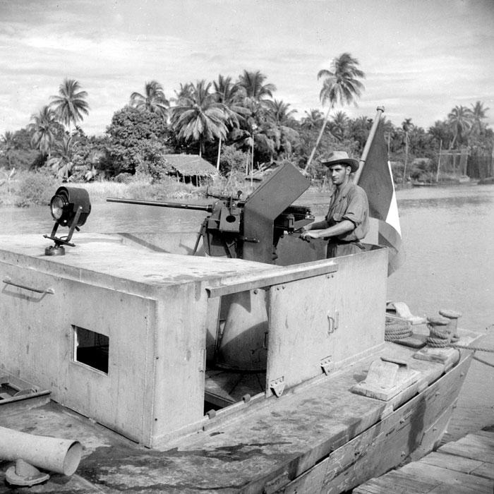 Бронир корабль дек 1947 Верне2.jpg