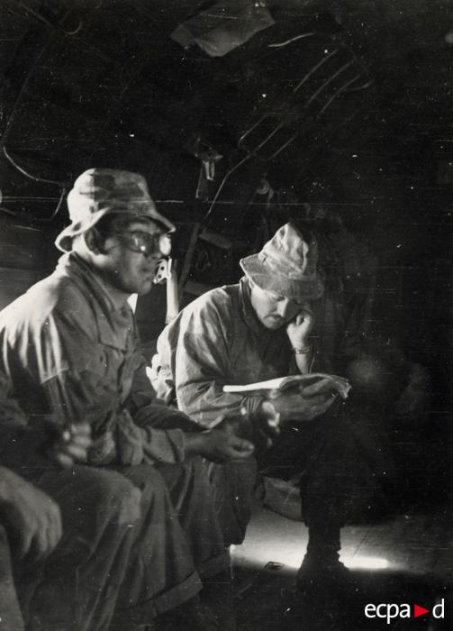 Отправление в ДБФ лейт Кледин и ст серж Пейранк из 2 бат 1 пар дес полка 20 23 ноября 1953.jpg