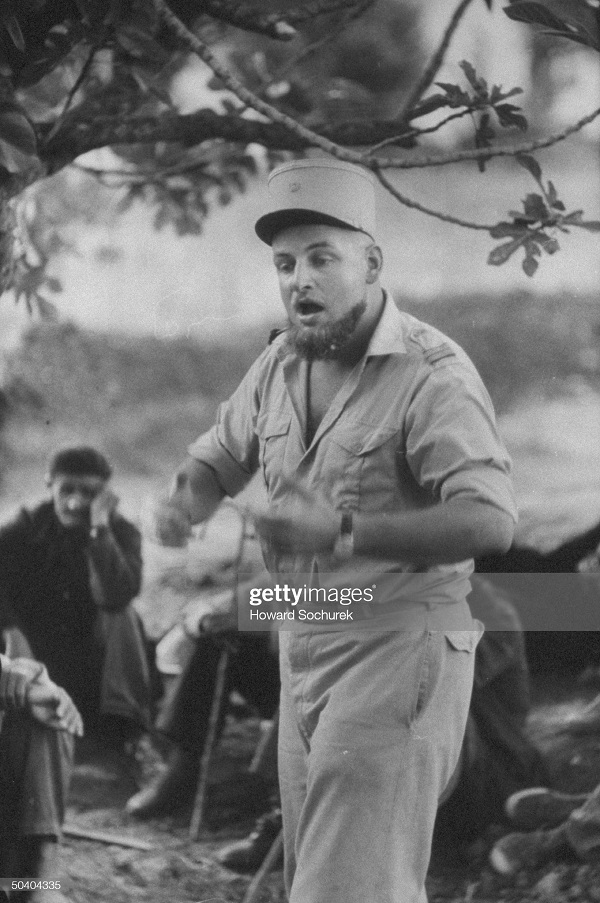САС офицер лейт Клод Гольштейн сент 1957 3.jpg