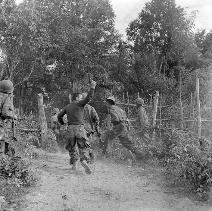 контратака против ВМ проникших на пост янв 1954 п ферари.jpg