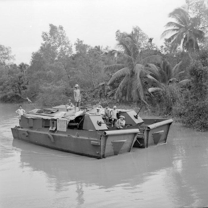 патруль авг 1952 Ги Дефив.jpg