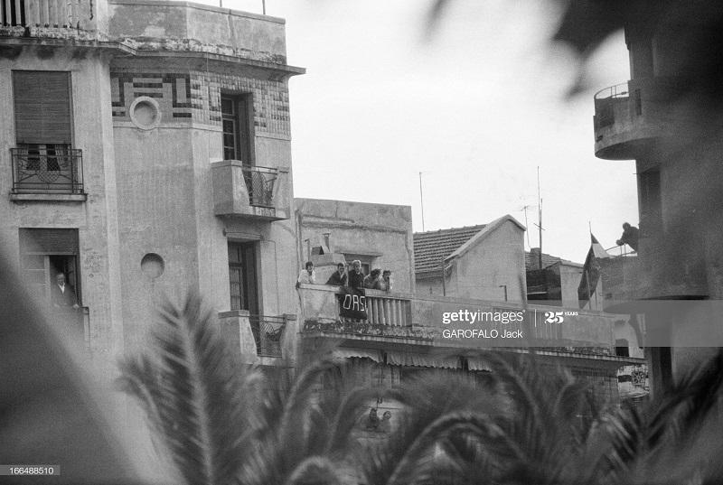 Алжир город  после маниф и взрывов ОАС 13 нояб 1961 Джек Гарафало.jpg