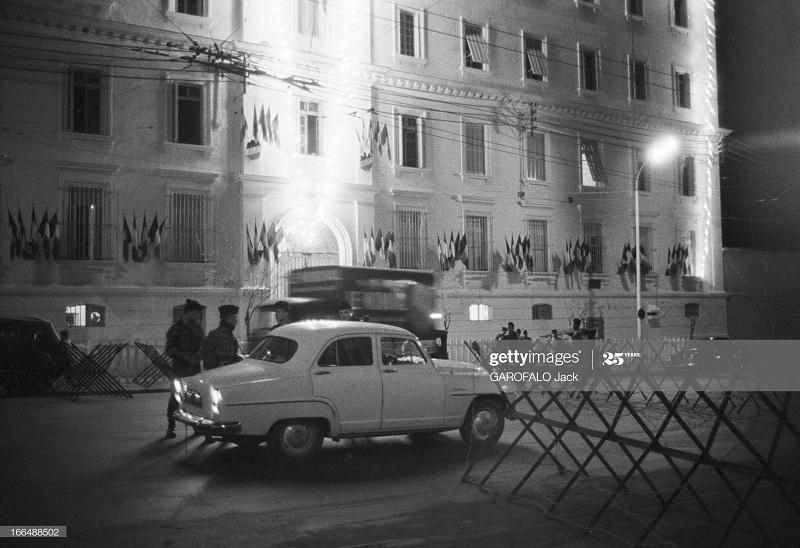 Алжир город  после маниф и взрывов ОАС 13 нояб 1961 Джек Гарафало6.jpg