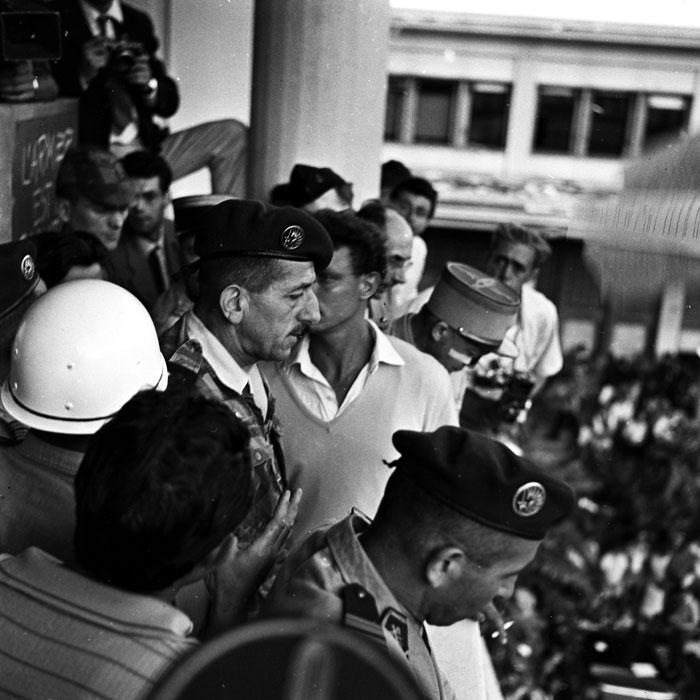 Массю на балконе 13 мая 1958.jpg