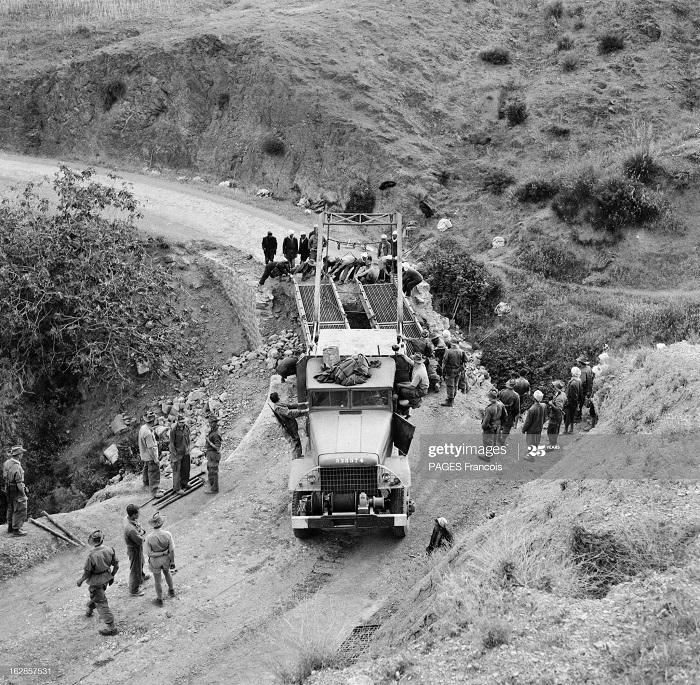 Строительство моста 8 июня 1956 Ф Паж.jpg