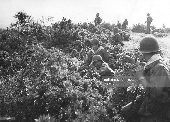 Фр солдаты май 1956.jpg