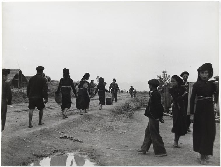 Операция кастор прибытие подкрепления 24 нояб 1954.jpg