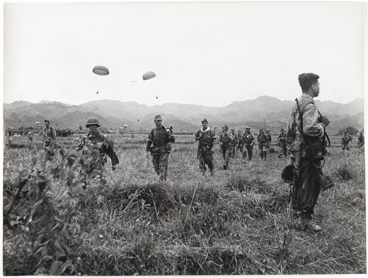парашютисты приз на юге ДБФ 13 17 марта 1954 камю перо.jpg