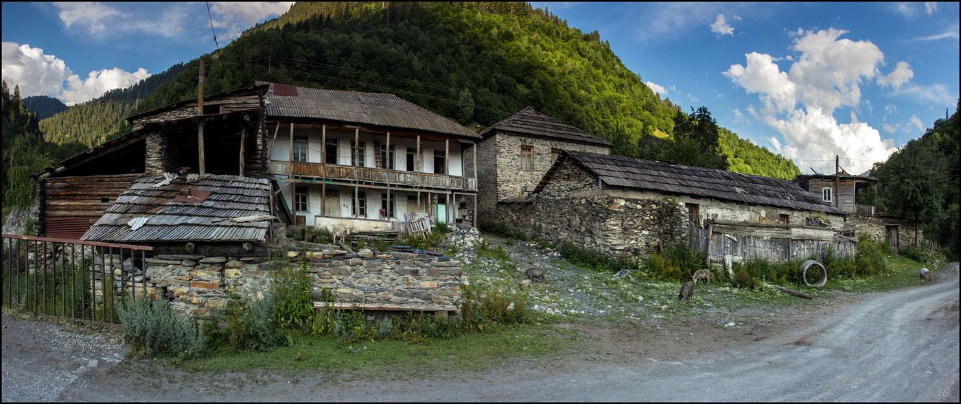 Секс в заброшенной деревне 3 фотография