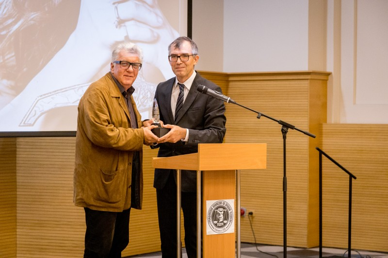 Александр Данилин получил награду Гражданской комиссии по правам человека