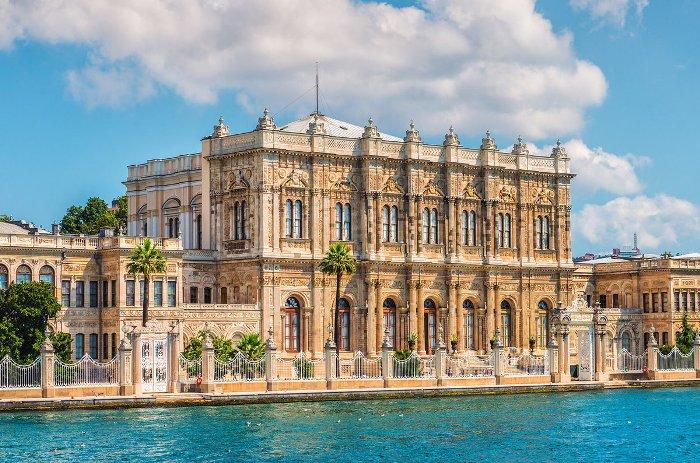 Стамбул дворец Долмабахче́