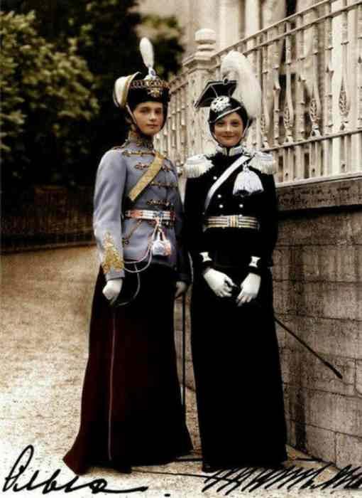 Великие княжны Ольга и Татьяна Романовы, 1913