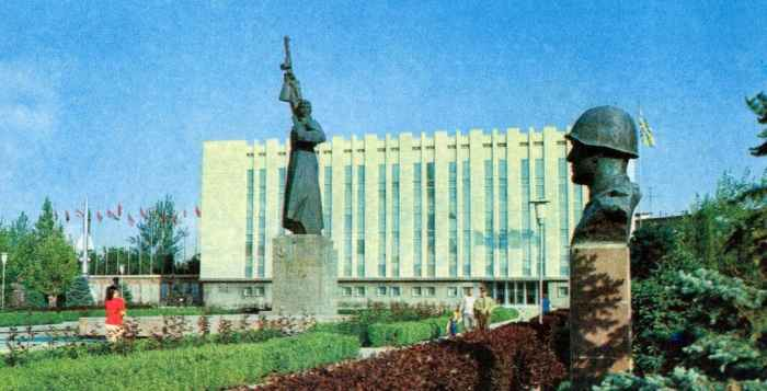 Ташкент. Памятник защитникам южных рубежей