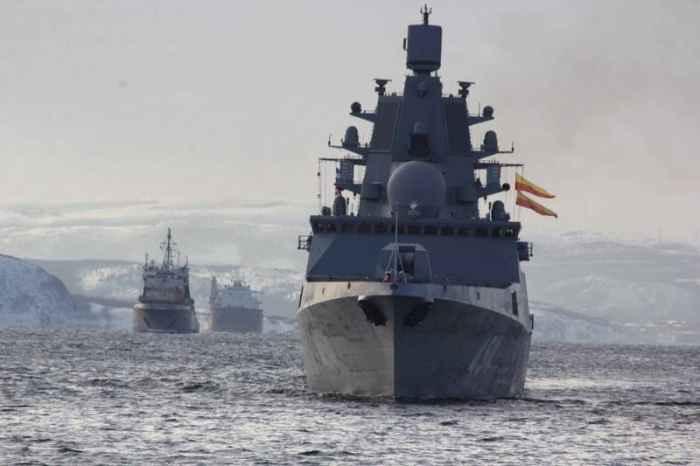 фрегат Адмирал Горшков в конвое