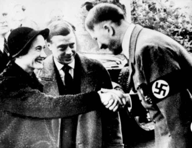 Герцог Виндзорский и его жена встречаются с Гитлером. Октябрь 1937