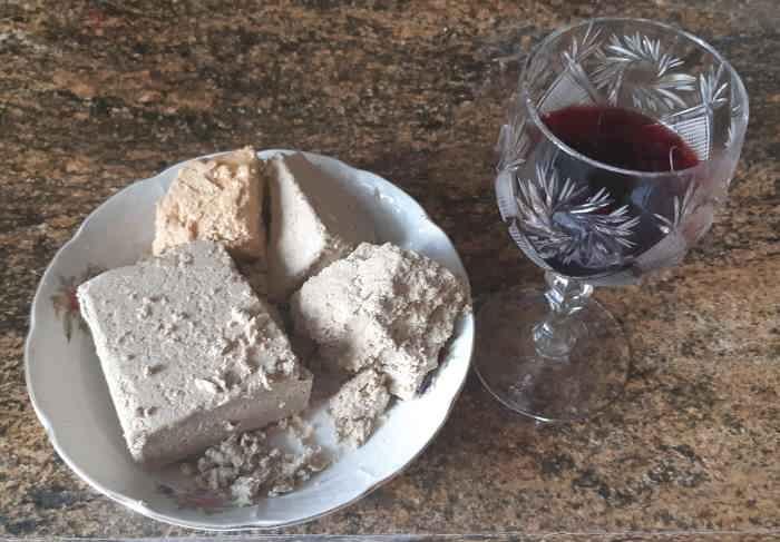Вино с халвой