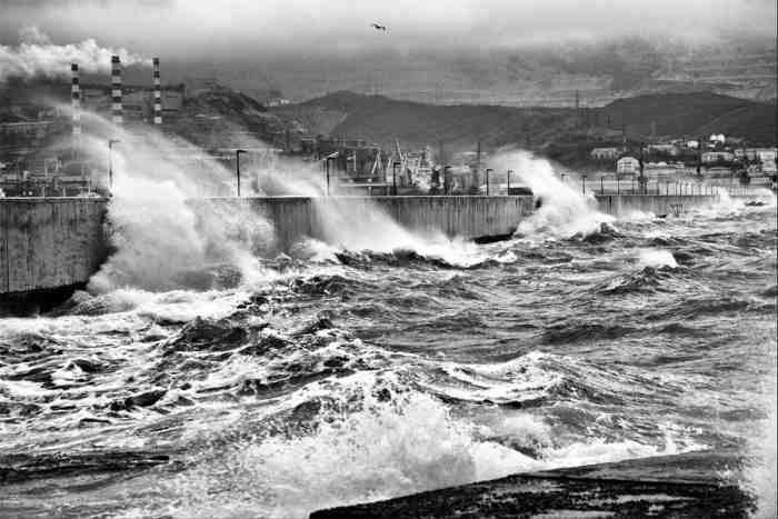 Новороссийск шторм