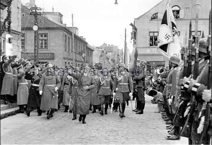 Гитлер в Мемеле. 1939
