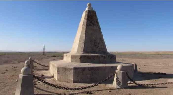 Могила героев боя на Кушке 1885 года