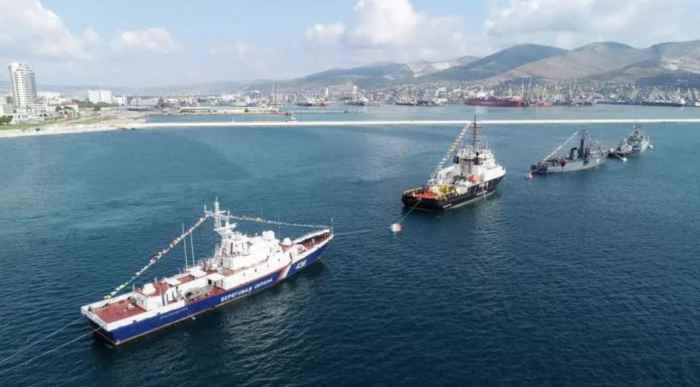 Новороссийск. Корабли и суда обеспечения ВМБ и корабль Береговой охраны