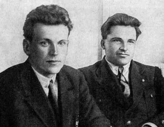 Ф Ф Раскольников (слева) и С М Киров, 1921
