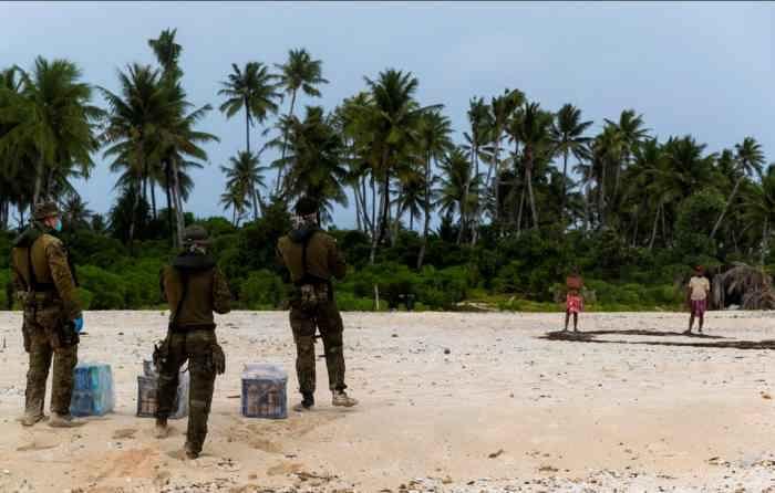 Австралийские военные высадились на остров