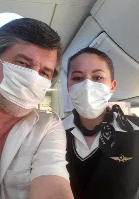 Капитан Никольский с узбекской стюардессой