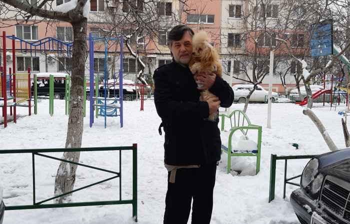 Кешью Мой Нежный Ангел с папой в снежном дворе