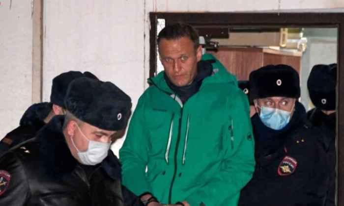 Навального этапировали в колонию