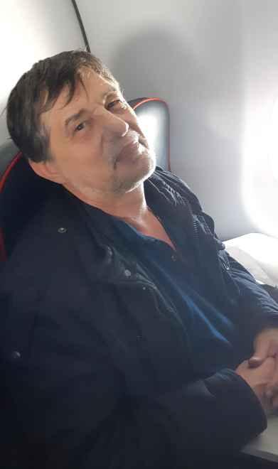 Капитан Никольский в самолёте