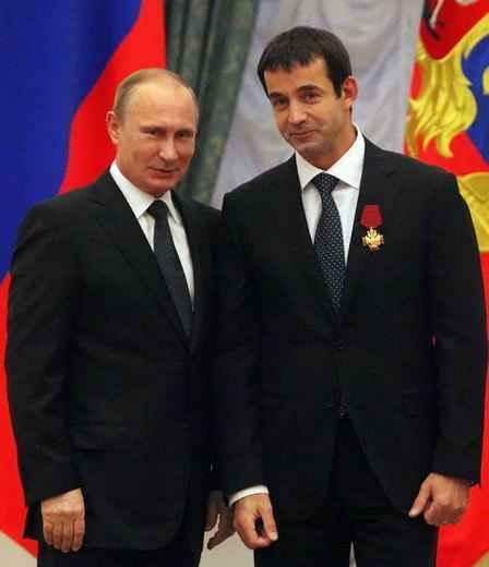 Президент Путин с Заслуженным Россиянином IV степени